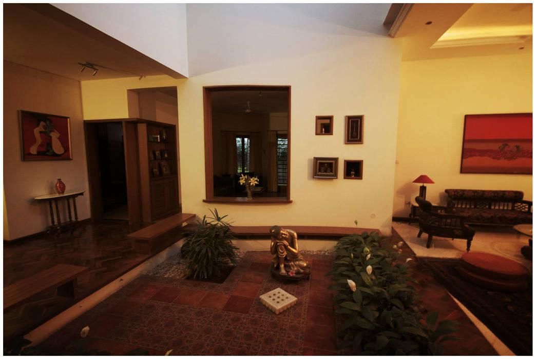 Ausgefallener Flur, Diele & Treppenhaus von Sandarbh Design Studio Ausgefallen
