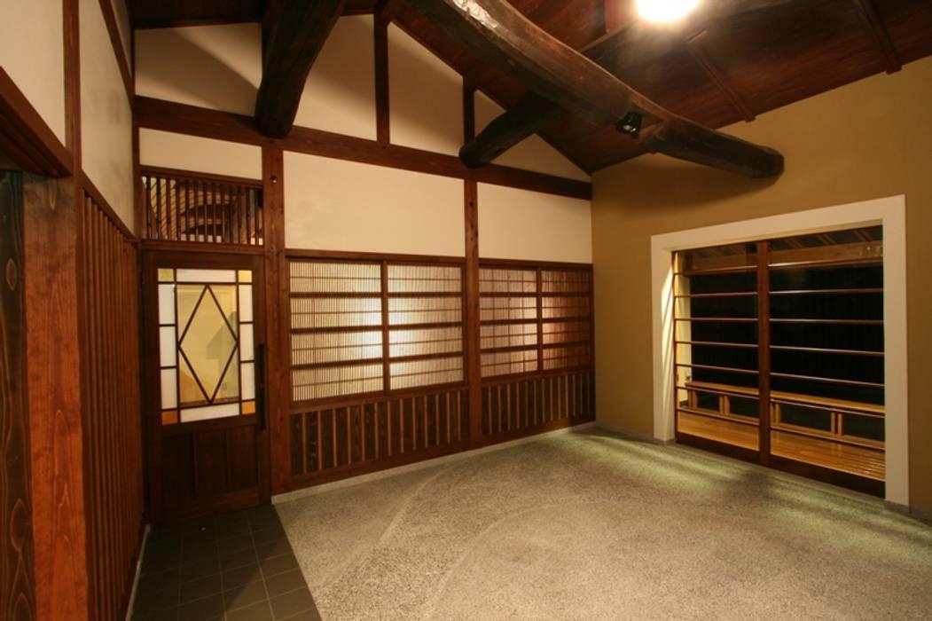 Ruang Komersial oleh 安藤建築設計工房, Kolonial Kayu Wood effect