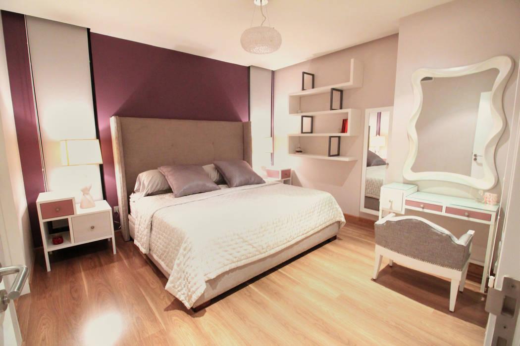 Modern style bedroom by D.I. Pilar Román Modern