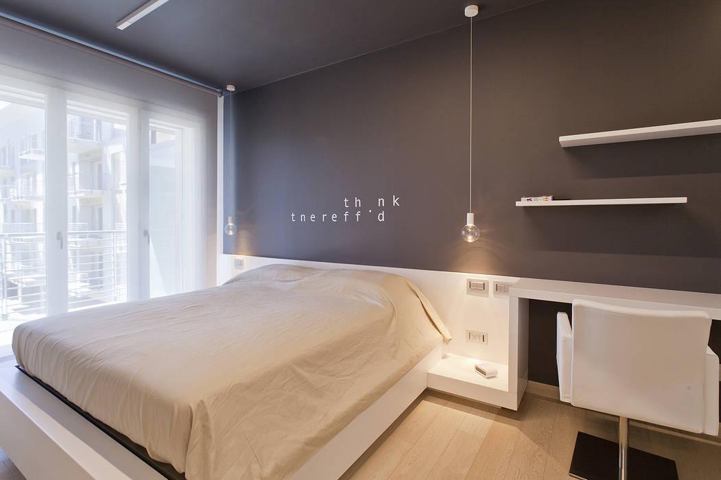 Foto camera da letto con parete decorata su disegno camera ...