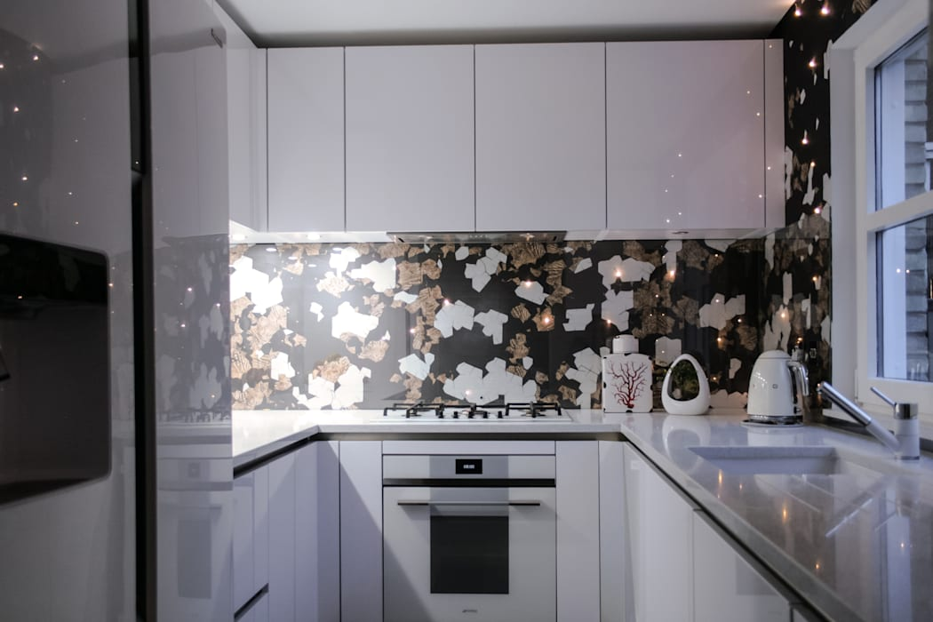 LED Wall Coverings:  Kitchen units by S. T. Unicom Pvt. Ltd.