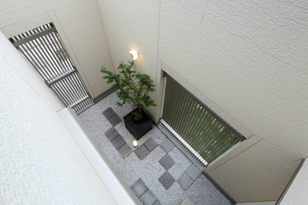 やまぐち建築設計室 สวนแบบเซน กระเบื้อง White