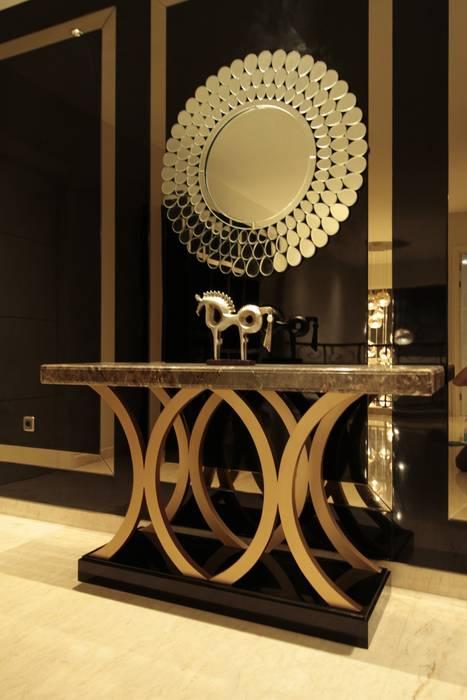 Console & mirror Kottagaris interior design consultant Ruang Keluarga Modern