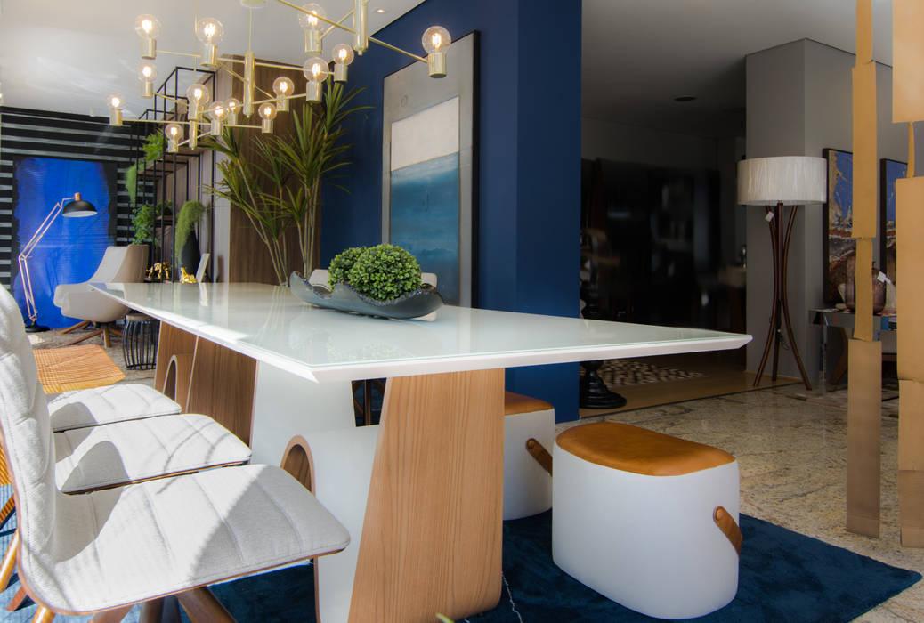 Mesa Jantar e Puffs por Sgabello Interiores Moderno Madeira Efeito de madeira