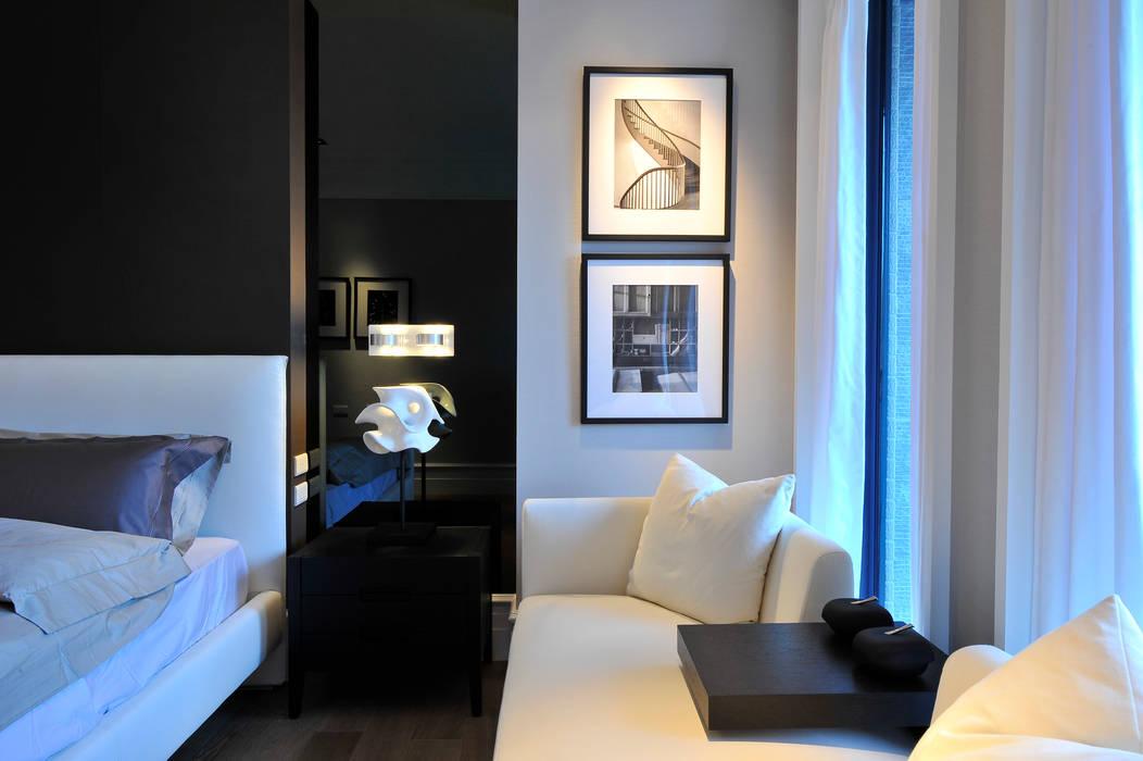 Dormitorios de estilo  de 原形空間設計,