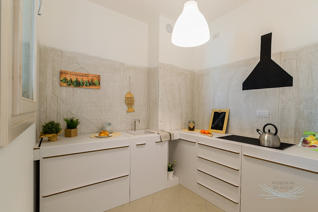 home staging appartamento campione: Cucina in stile in stile Scandinavo di Home Staging & Dintorni