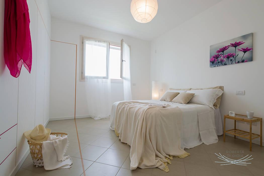 home staging appartamento campione: Camera da letto in stile  di Home Staging & Dintorni