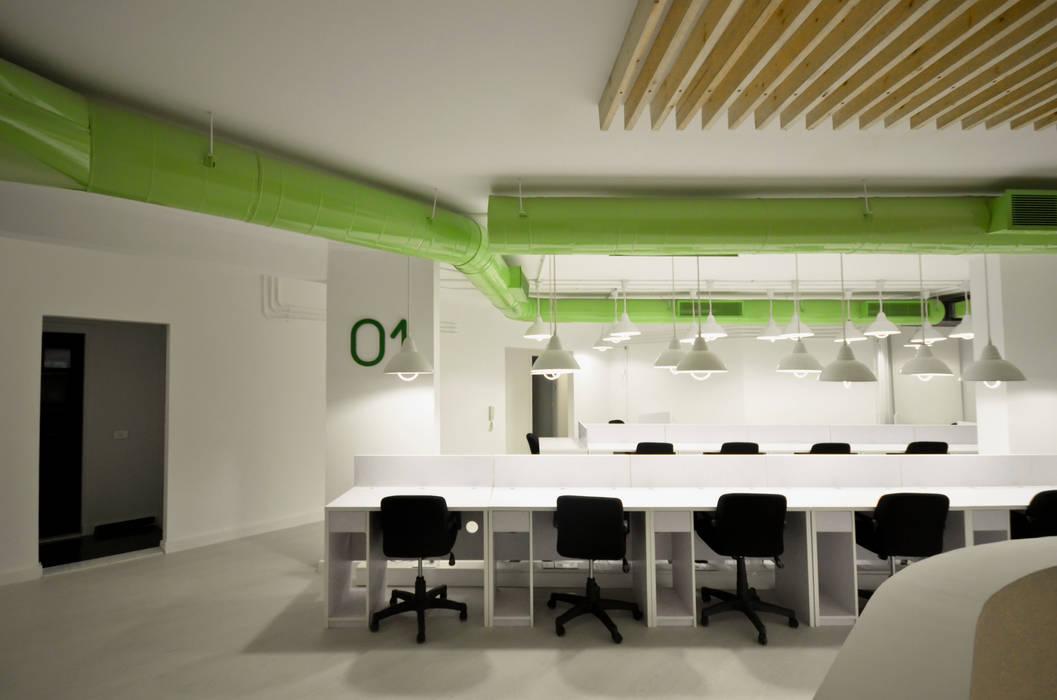 Second Floor Work space Minimalistische Bürogebäude von CUBEArchitects Minimalistisch