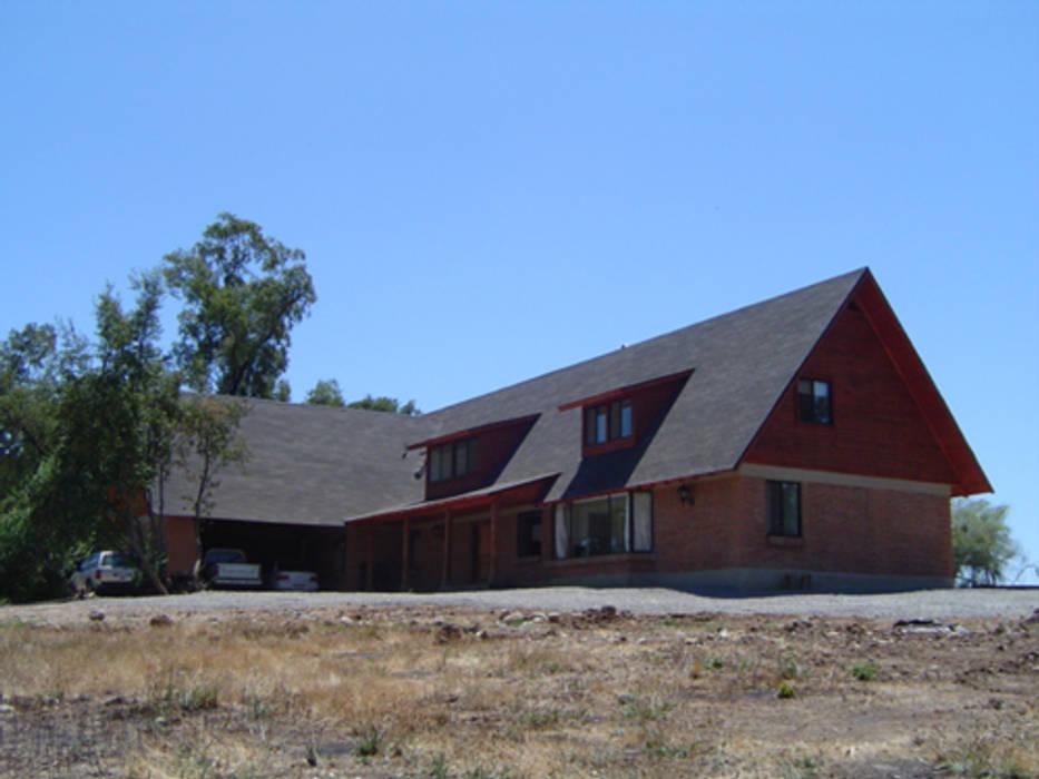 Projekty,  Dom rustykalny zaprojektowane przez AOG SPA