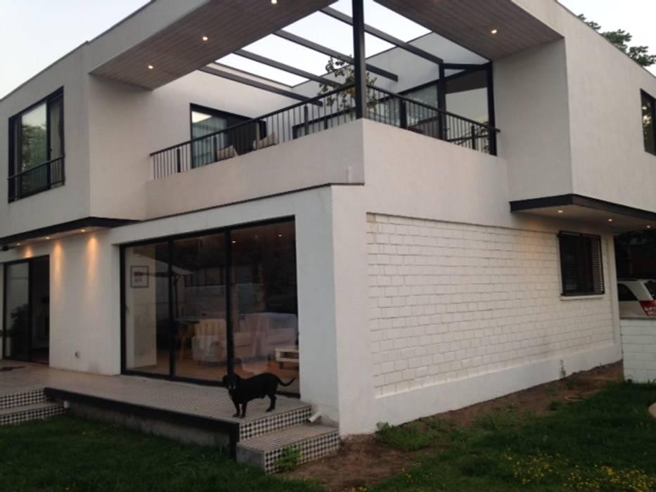 CASA BELLO HORIZONTE: Jardines de estilo  por [ER+] Arquitectura y Construcción