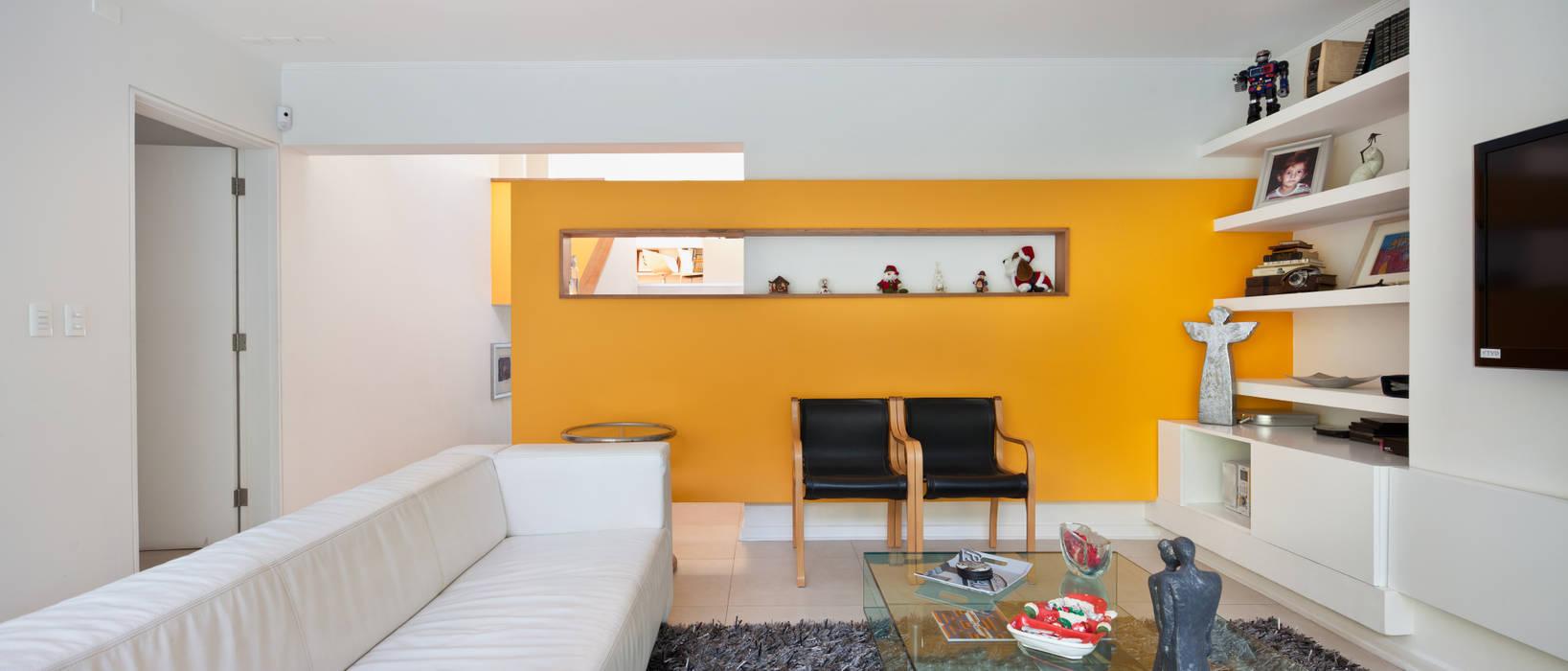 Living: Livings de estilo  por [ER+] Arquitectura y Construcción, Minimalista