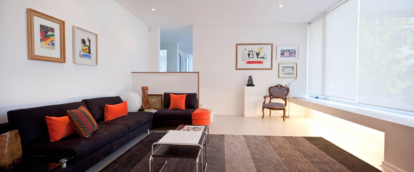 CASA CARREÑO: Livings de estilo  por [ER+] Arquitectura y Construcción