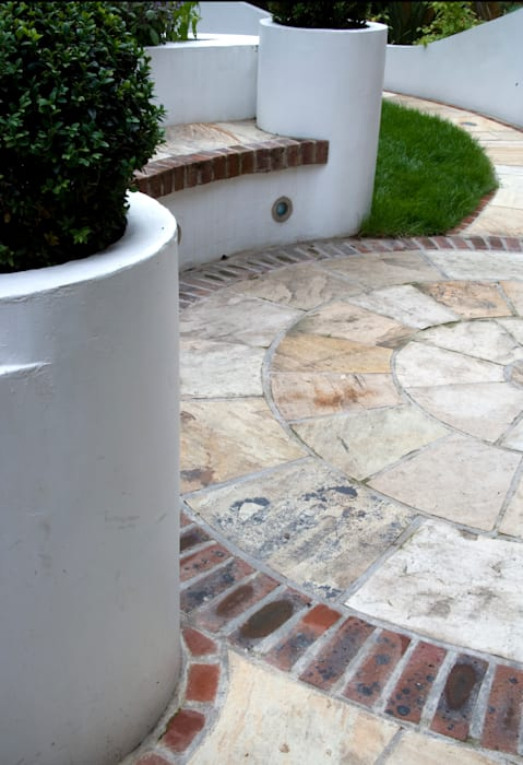 Paved circle:  Garden by Earth Designs
