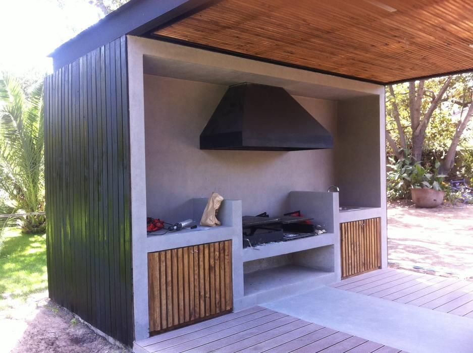 Balcon, Veranda & Terrasse minimalistes par [ER+] Arquitectura y Construcción Minimaliste