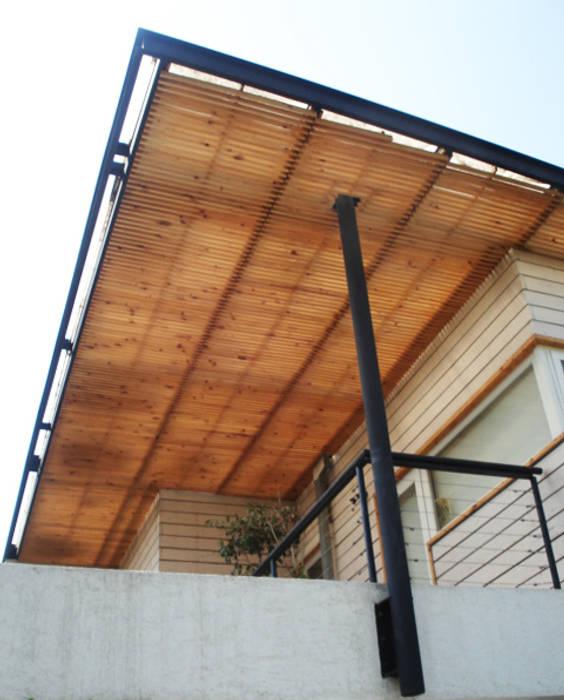 by [ER+] Arquitectura y Construcción Modern