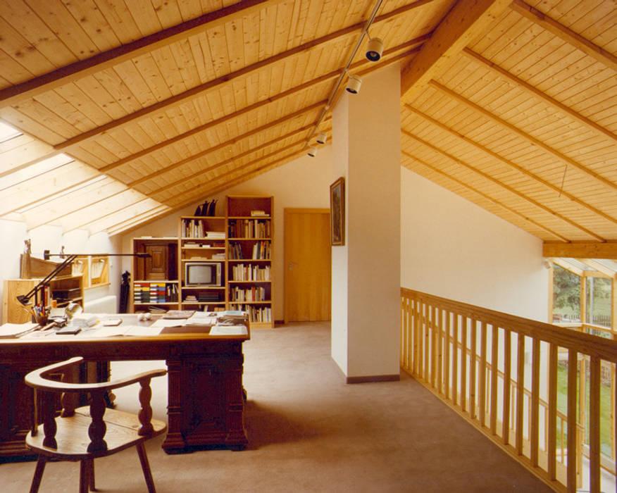 منزل خشبي تنفيذ Architekturbüro Michael Bidner, حداثي خشب Wood effect
