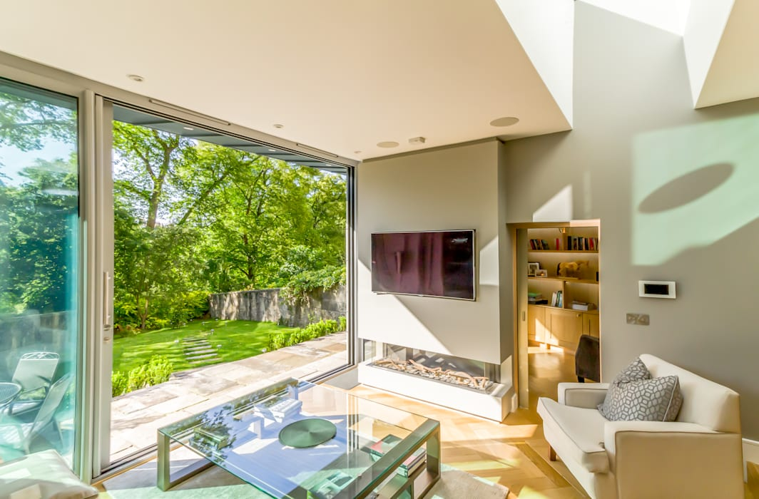Contemporary Garden Room Edinburgh New Town:  Living room by Capital A Architecture