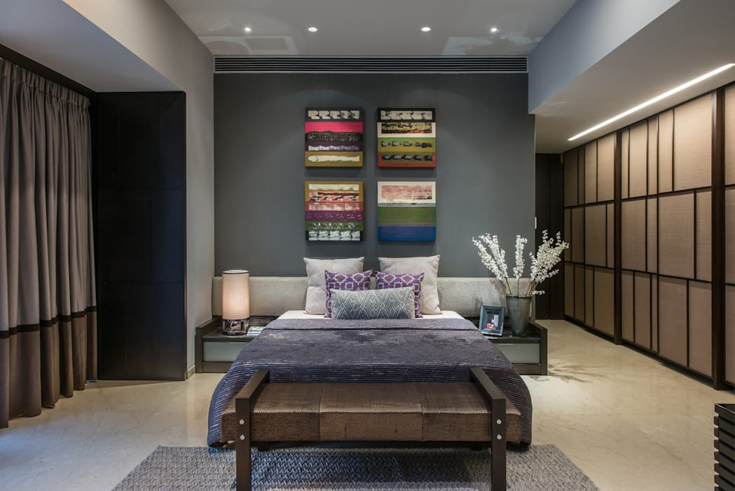 Apartment in Juhu:  Bedroom by Rakeshh Jeswaani Interior Architects