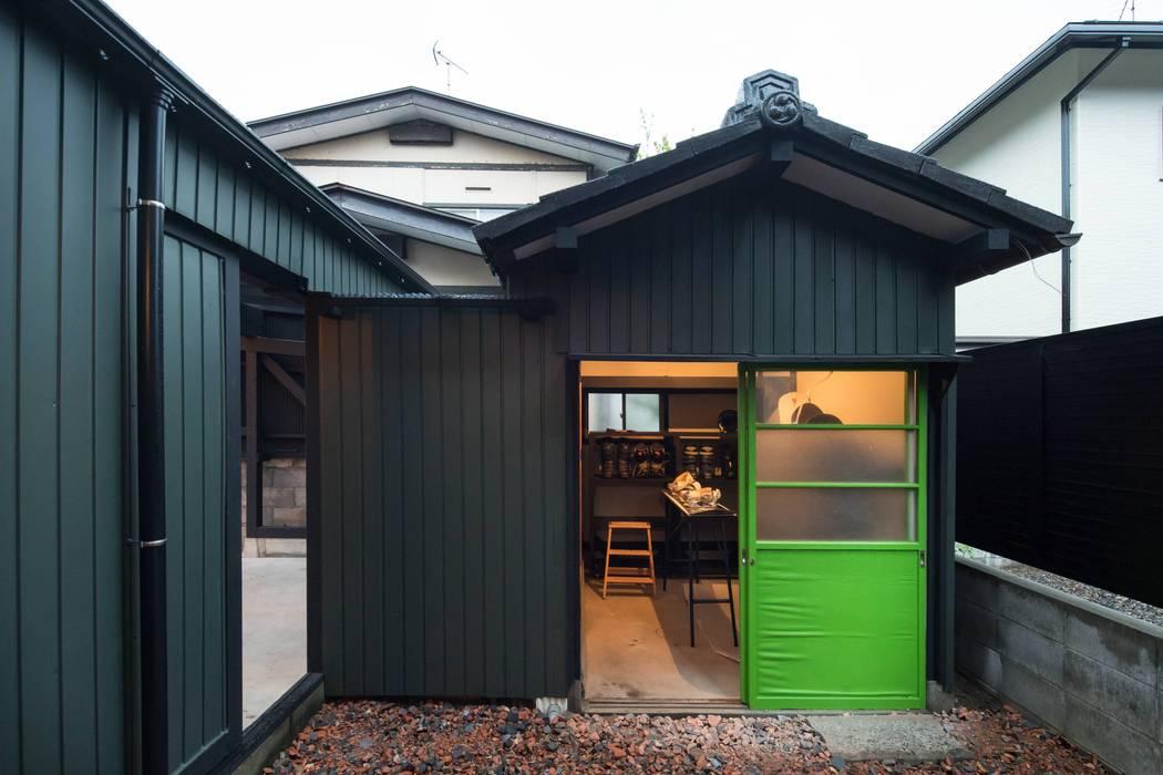 Garage/schuur door dwarf