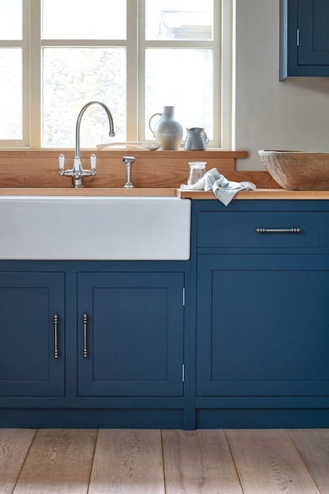 Cley : country Kitchen by NAKED Kitchens