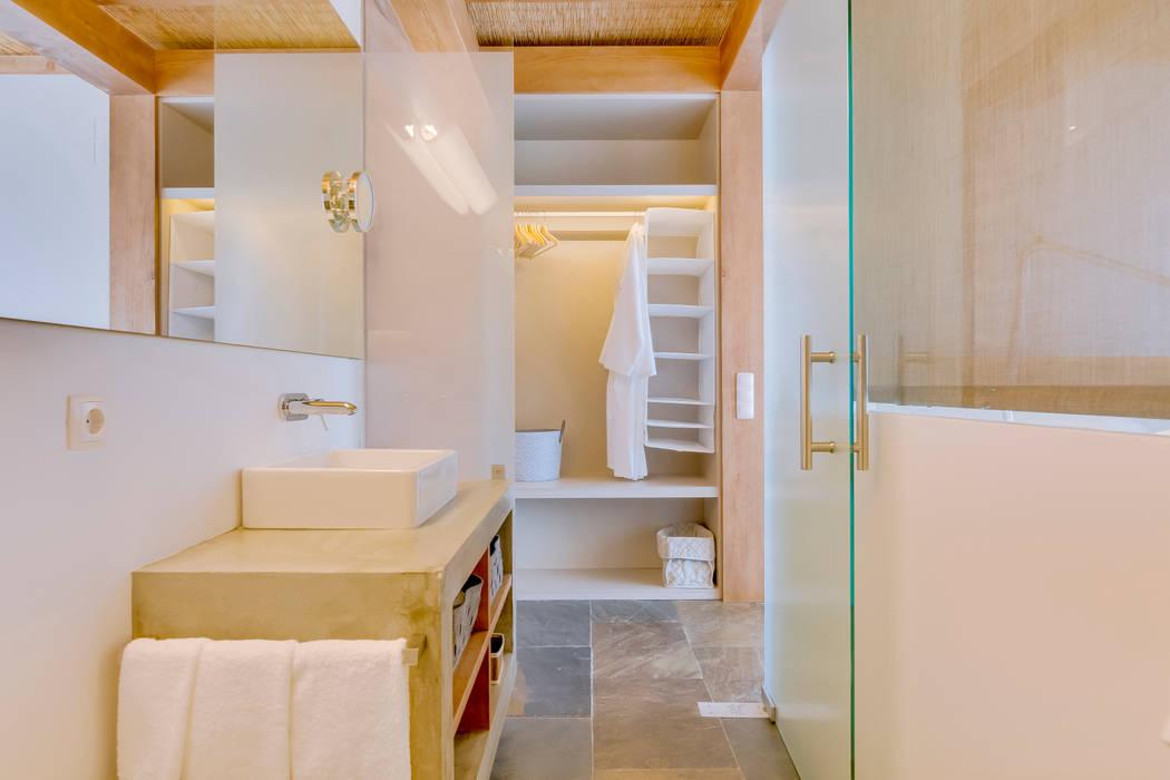 Salle de bains de style  par Ivo Santos Multimédia, Rural