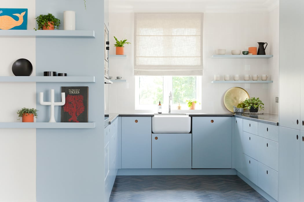 Kew Penthouse: modern Kitchen by NAKED Kitchens