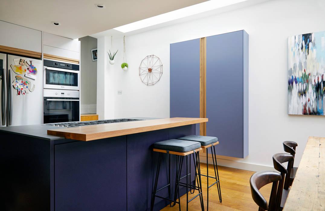 Highbury Kitchen Moderne Küchen von NAKED Kitchens Modern Holz Holznachbildung