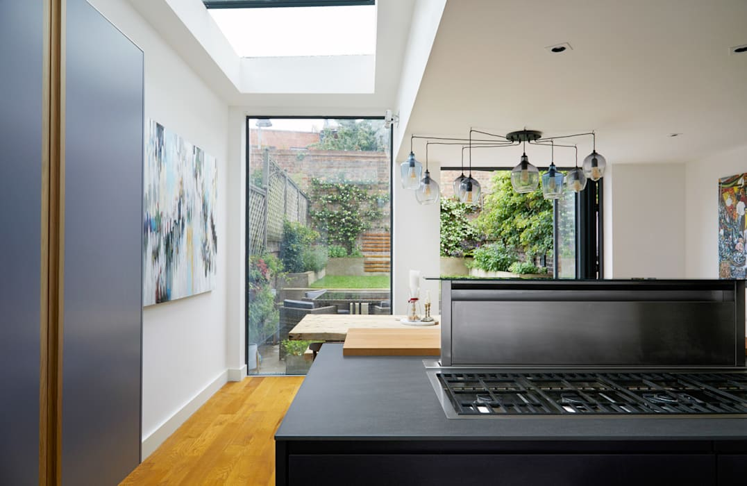 Highbury Kitchen: modern Kitchen by NAKED Kitchens