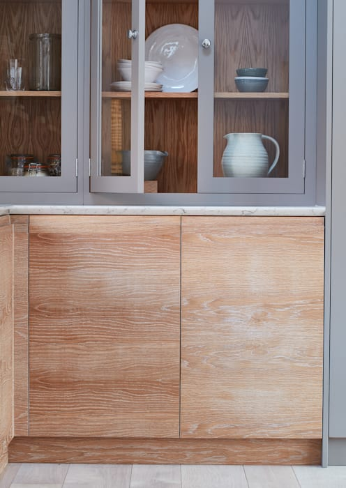 Brancaster Marshes:  Kitchen by NAKED Kitchens