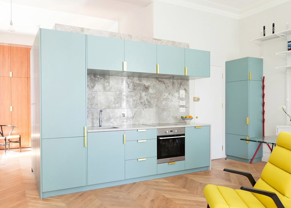 Westbourne Gardens:  Kitchen by NAKED Kitchens