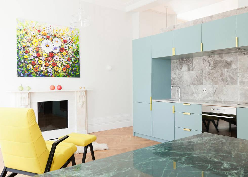 Westbourne Gardens: modern Kitchen by NAKED Kitchens