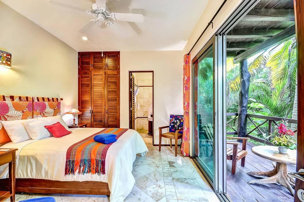 Sombras del Viento: Recámaras de estilo  por DHI Arquitectos y Constructores de la Riviera Maya, Tropical
