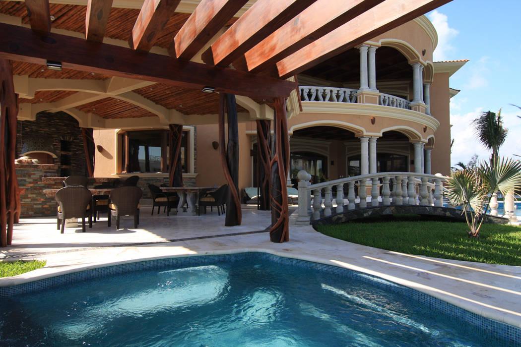 Casa lasata spa de estilo ecl ctico por dhi arquitectos y - Constructores de casas ...