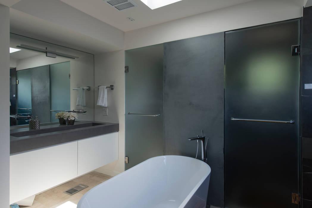 Bethesda Renovation/Addition Modern Bathroom by ARCHI-TEXTUAL, PLLC Modern