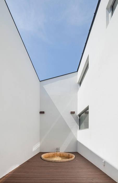 Moderner Spa von HGA 건축디자인연구소 Modern Stahlbeton
