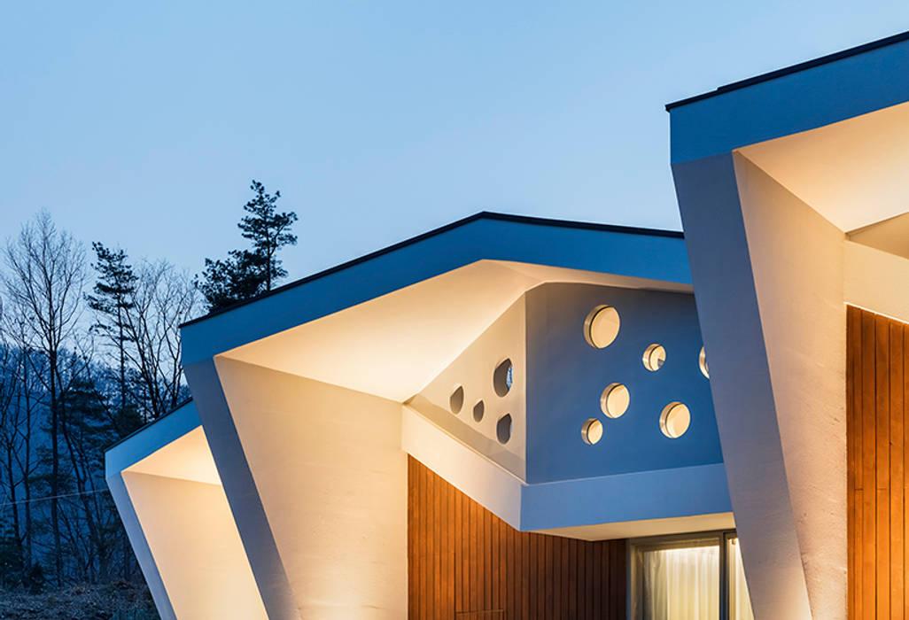 Moderne Häuser von HGA 건축디자인연구소 Modern Beton