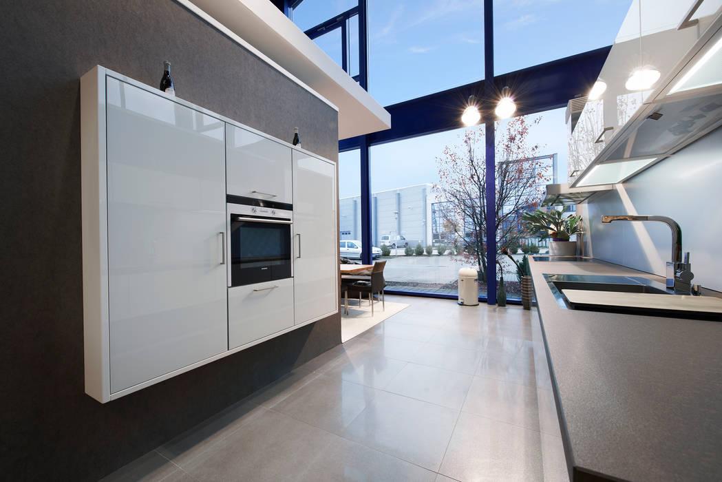 Küchen-Design KARL RUSS Built-in kitchens