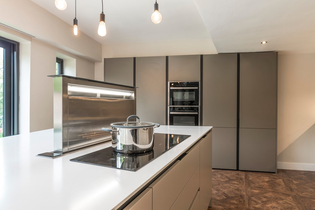 Induction hob detail:  Kitchen units by John Gauld Photography