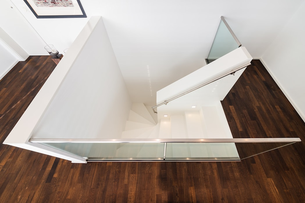 Коридор, прихожая и лестница в модерн стиле от Helwig Haus und Raum Planungs GmbH Модерн