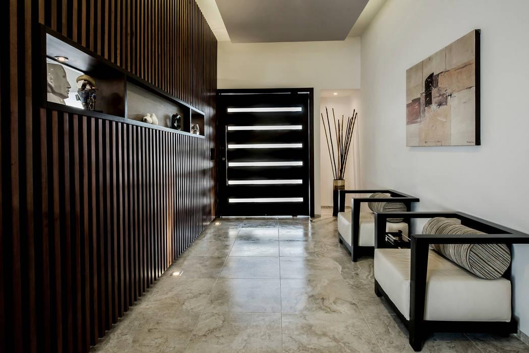 Constructora e Inmobiliaria Catarsis Modern Corridor, Hallway and Staircase Wood Beige