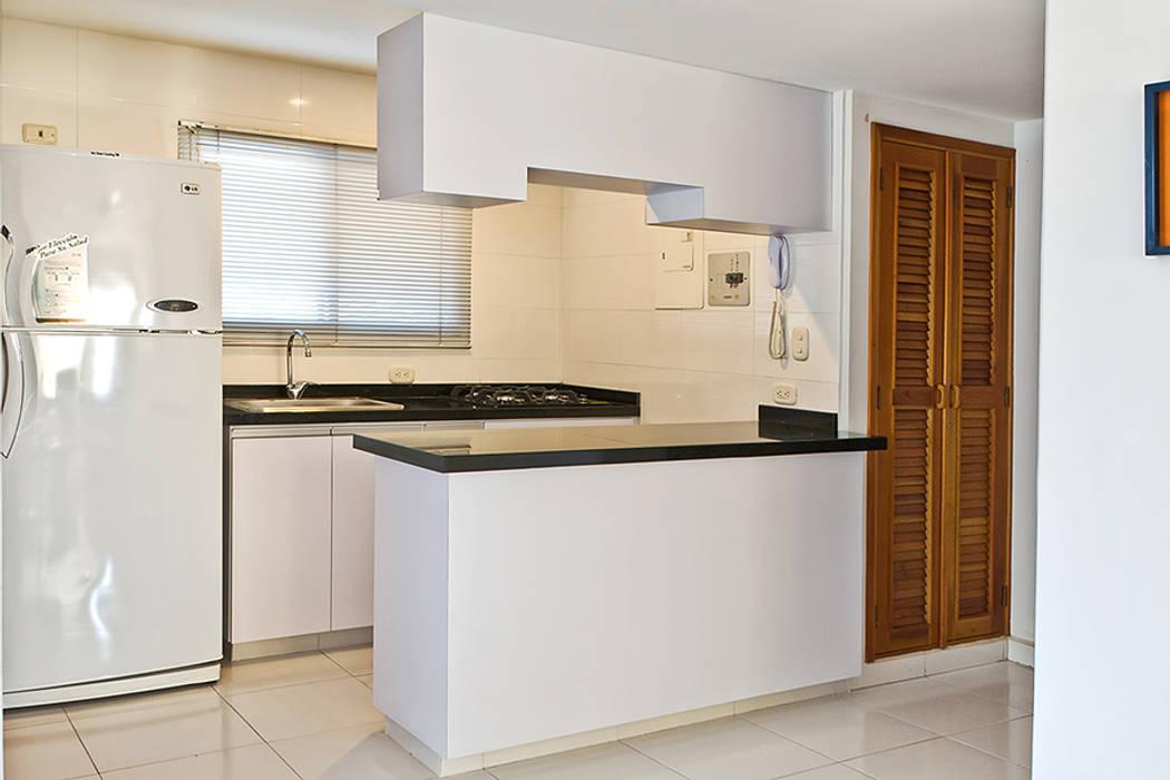Cocina integral Cocinas modernas de Remodelar Proyectos Integrales Moderno Granito