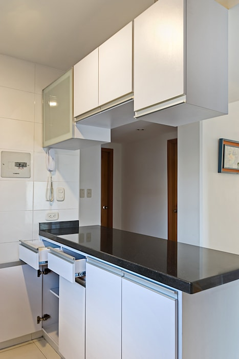 Cocina integral: Cocinas de estilo  por Remodelar Proyectos Integrales,
