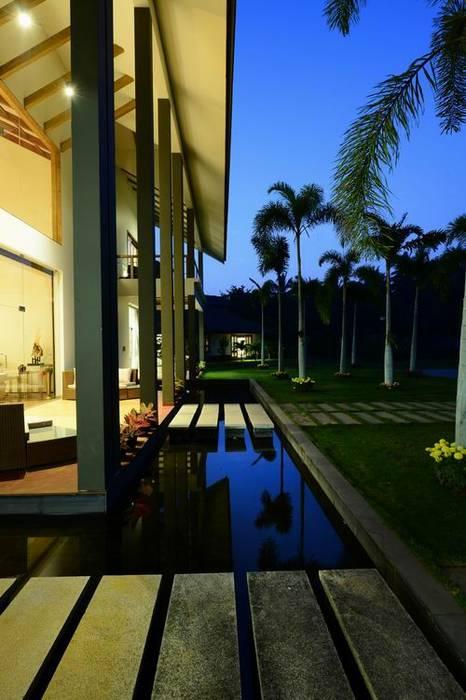 Studio - Architect Rajesh Patel Consultants P. Ltd