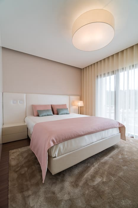 Suite de casal Quartos minimalistas por UNISSIMA Home Couture Minimalista