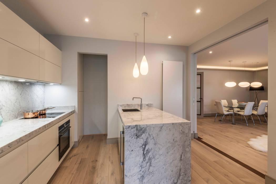 Kitchen: modern Kitchen by Prestige Architects By Marco Braghiroli