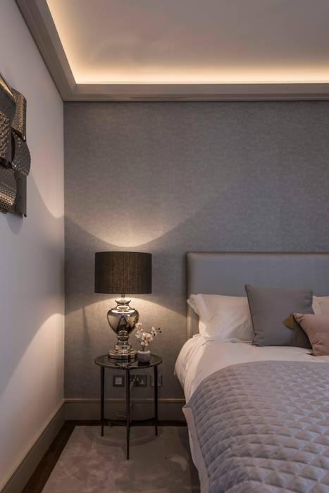 Bedroom: modern Bedroom by Prestige Architects By Marco Braghiroli