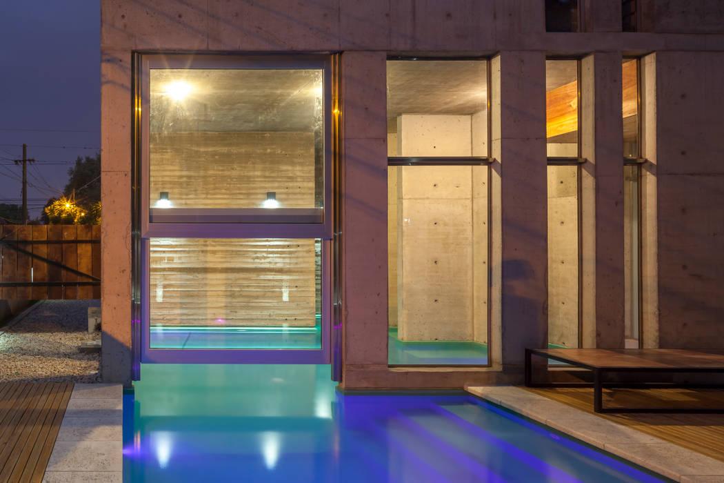 Jacinto Chiclana: Piletas de jardín de estilo  por Ciudad y Arquitectura