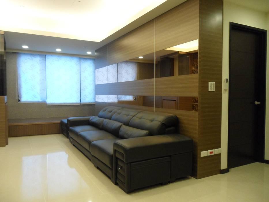 Modern living room by 劉旋設計事務所/劉旋工程有限公司 Modern