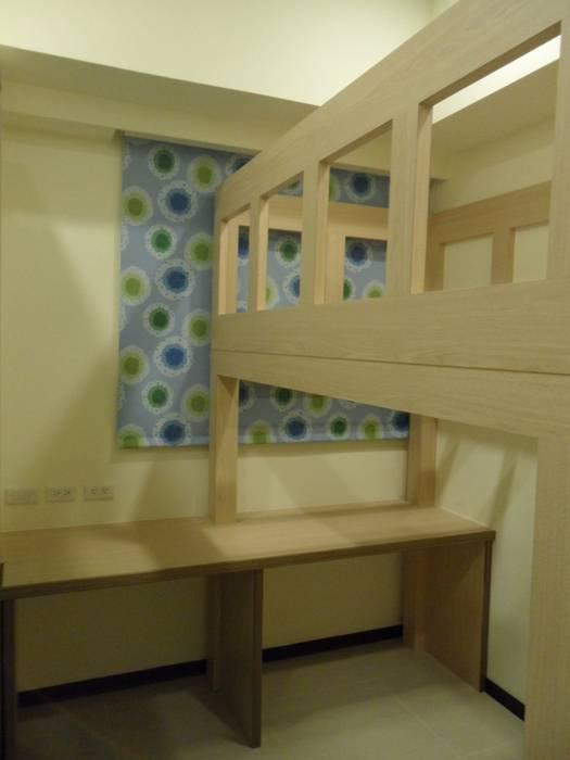 Modern nursery/kids room by 劉旋設計事務所/劉旋工程有限公司 Modern