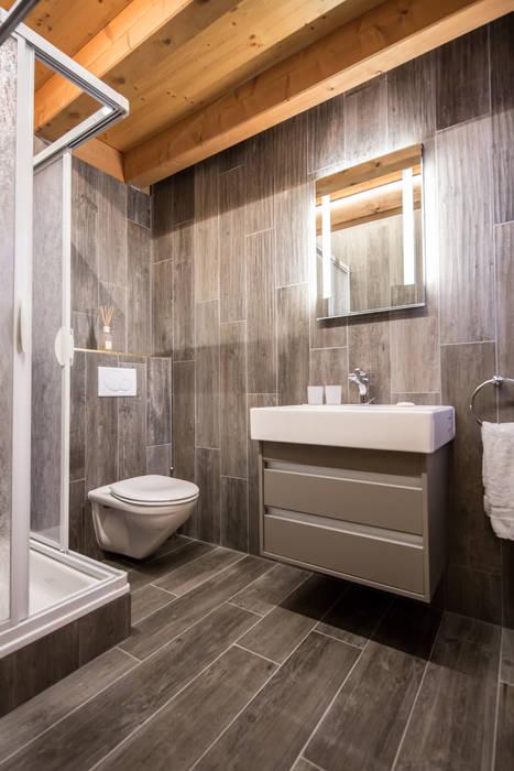 Bathroom: rustic Bathroom by Prestige Architects By Marco Braghiroli